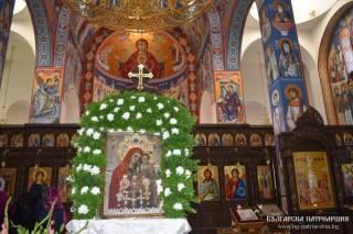 Боянская чудотворная икона Богородицы пробудет в Болгарии до 2 июня