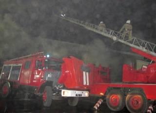 В Одессе бушевал большой пожар: горели мебельный цех и склад