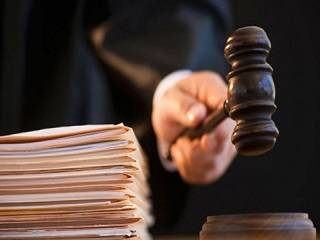 Суд обязал внести в ЕРДР данные о попытке выселения семьи священника из дома на Волыни