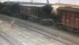 Под Запорожьем ребенка убило током на крыше поезда (Видео 18+)