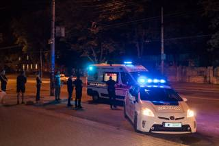 В Днепре таксист сбил школьницу на пешеходном переходе и сбежал с места ДТП