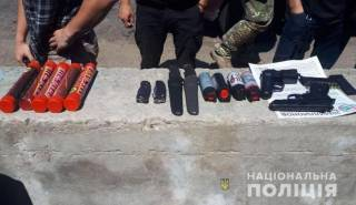На Запорожье в автомобиле, на котором активисты ехали на суд по делу Гандзюк, нашли оружие