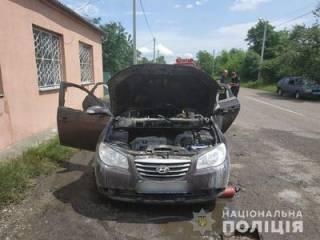 Под Киевом взорвался автомобиль с ребенком в салоне