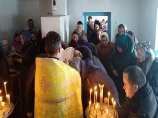 На Ровенщине сторонники ПЦУ избили мужчину, который встал на защиту священника УПЦ