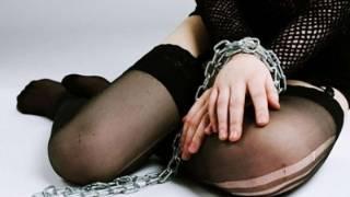 В Хмельницком женщина пыталась продать свою дочь в сексуальное рабство