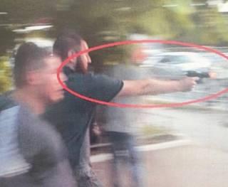 Стало известно имя мужчины, который открыл стрельбу по журналисту на «Барабашово», – СМИ
