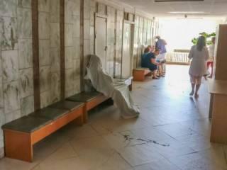 В Киевской клинике в очереди к врачу умерла женщина