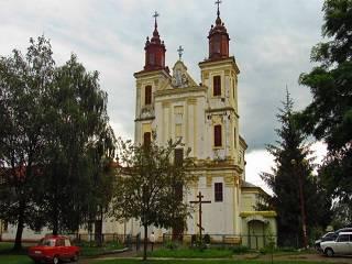 На Ивано-Франковщине представители ПЦУ и РКЦ не могут поделить захваченный храм УПЦ
