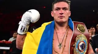 Усик стал «Легендой бокса» в России