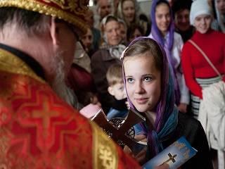 В Церкви рассказали, как священникам говорить о вере с подростками