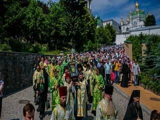 В Киево-Печерской лавре тысячи православных отпраздновали день памяти преподобного Агапита
