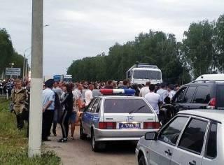 В России цыгане спровоцировали массовые беспорядки: задержано более 170 человек