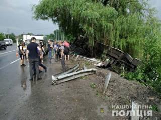 В Винницкой области перевернулся автобус с людьми