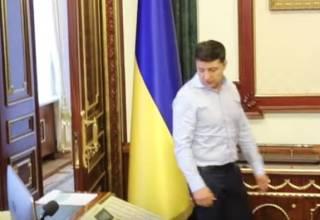 Зеленский показал свой рабочий кабинет, раскрыв несколько тайн администрации президента