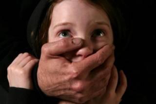В Одессе продавец киоска развратил 13-летнюю девочку, которая пришла за покупками