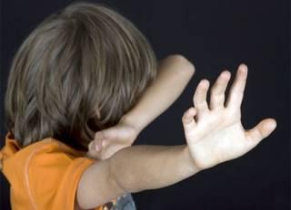 На Черниговщине извращенец, представляясь врачом, заставлял детей раздеваться