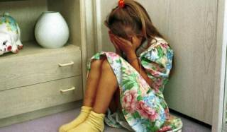 В Мариуполе мужчина с ножом пытался изнасиловать девочку прямо на территории школы