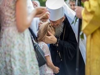 Украинцы поздравляют в соцсетях Митрополита Онуфрия: торжества в УПЦ