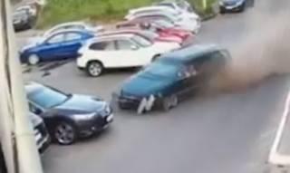 Женщина устроила масштабную аварию в Киеве: появилось видео столкновения