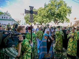 Тысячи украинцев и представители Поместных Православных Церквей поздравили Митрополита Онуфрия – торжества в УПЦ