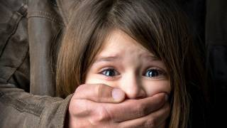 На Черкасщине 10-летнюю девочку пытался изнасиловать сожитель ее бабушки