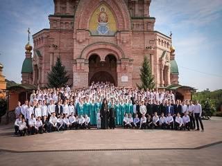 В столичном Голосеевском монастыре приглашают в училище новых студентов