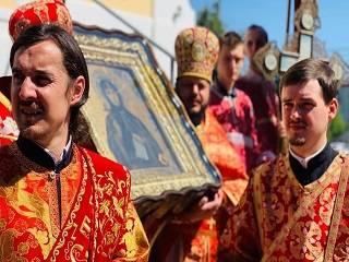 Тысячи верующих УПЦ отметили день перенесения мощей преподобномученицы Анастасии Римляныни с Волыни в Житомир
