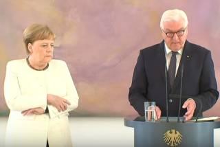 Меркель вновь «кинуло в дрожь»