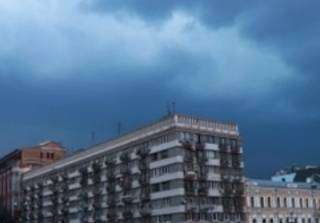 Сильный ливень подтопил Киев: появилось видео