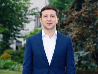 Зеленский поздравил народ с Днем Конституции и запустил всеукраинский флешмоб