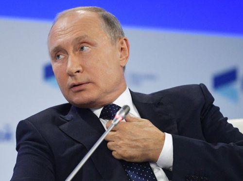 Путин отреагировал на призыв Зеленского. И помянул «незлым тихим словом» Порошенко
