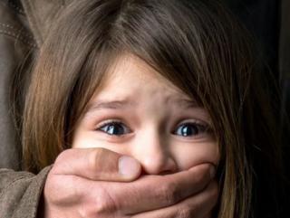 На Львовщине девочка-подросток почти двое суток провела в плену у извращенца