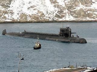 В Мурманске православные молятся о погибших моряках-подводниках