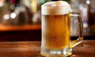 Губит людей не пиво?.. Выпив залпом литр хмельного напитка, в Таиланде скончался мужчина