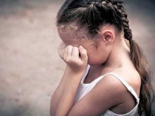На Луганщине горе-папаша чуть не изнасиловал собственного ребенка