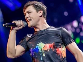 Певца Юру Шатунова экстренно прооперировали в Москве