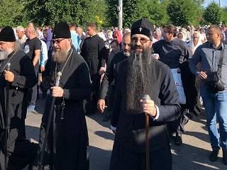 В Винницкой области более трех тысяч верующих УПЦ прошли крестным ходом к месту Калиновского чуда
