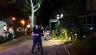 В Одессе водитель BMW, убегая от полиции, наехал на пешеходов и влетел в магазин