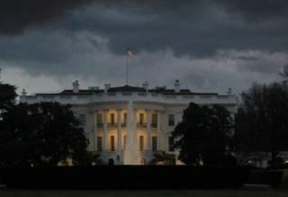 Аномальный ливень подтопил Белый дом