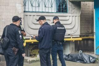 На киевской окраине произошло самоубийство (18+)