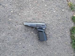 В Кривом Роге пьяный мужчина стрелял с балкона по бездомным животным