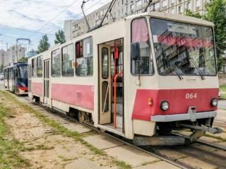 В Киеве старушка получила травму, выпрыгнув из неуправляемого трамвая