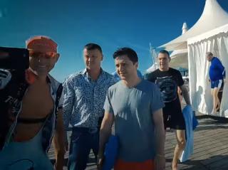 Зеленский неожиданно «нарисовался» среди пляжников Одессы