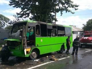 В Харькове прямо на ходу вспыхнула переполненная маршрутка
