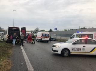 Кровавое ДТП с маршруткой под Киевом: погибли люди