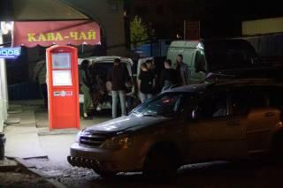 Ночью на окраине Киева прохожий стрелял в пьяную толпу