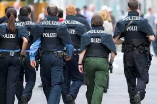 В одном из немецких городков толпа пьяных школьников штурмовала полицейский участок
