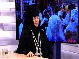 Игуменья Серафима: Идем на крестный ход в знак того, что мы едины