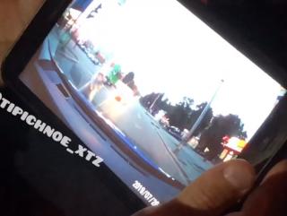 Появилось видео, как в Харькове патрульные копы сбили людей прямо на пешеходном переходе