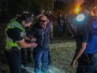 В Киеве пьяный ветеран АТО напал с ножом на людей